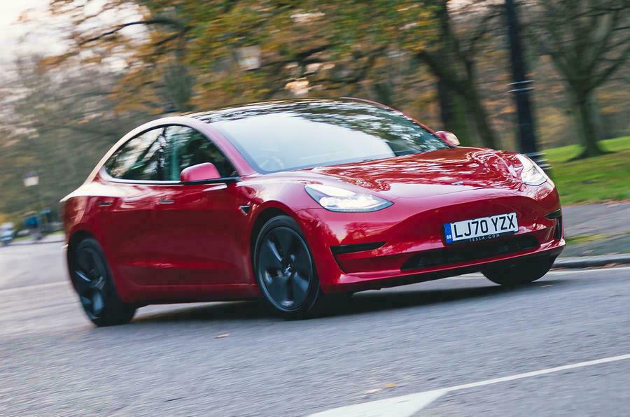 Tesla может предложить технологии автономного вождения конкурирующим брендам