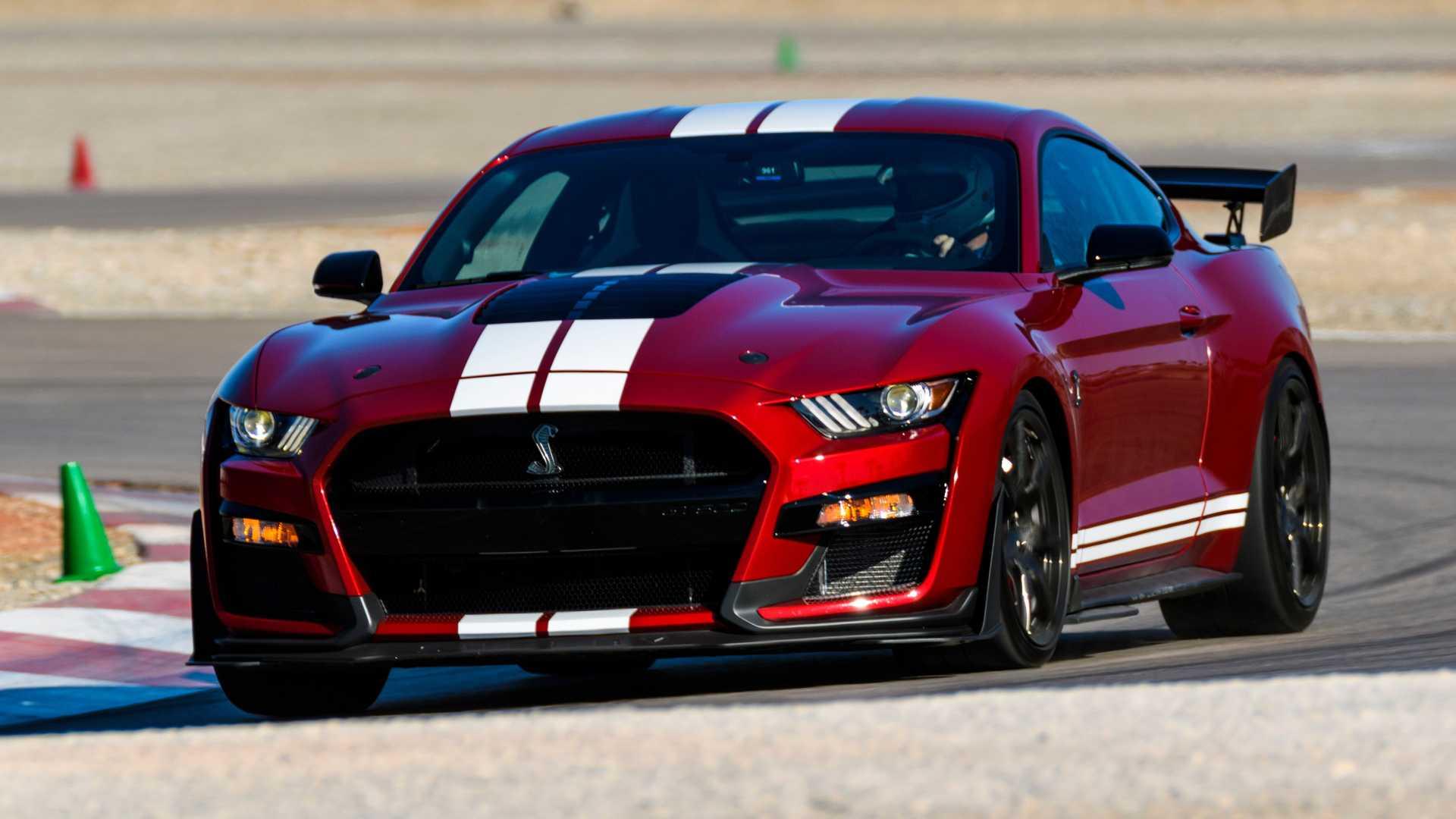 Ford исключает кабриолет Mustang Shelby GT500 и объясняет почему