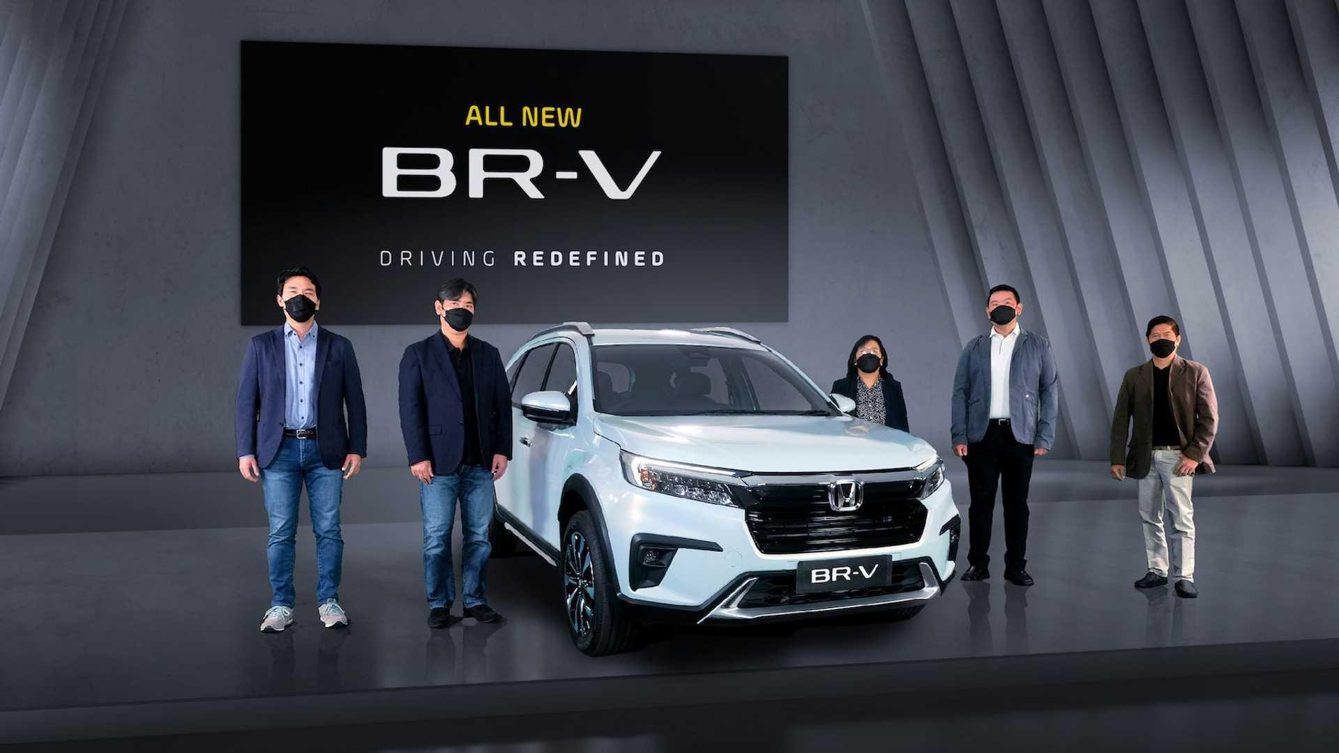 Honda BR-V 2022 года дебютирует как небольшой кроссовер с семью сиденьями