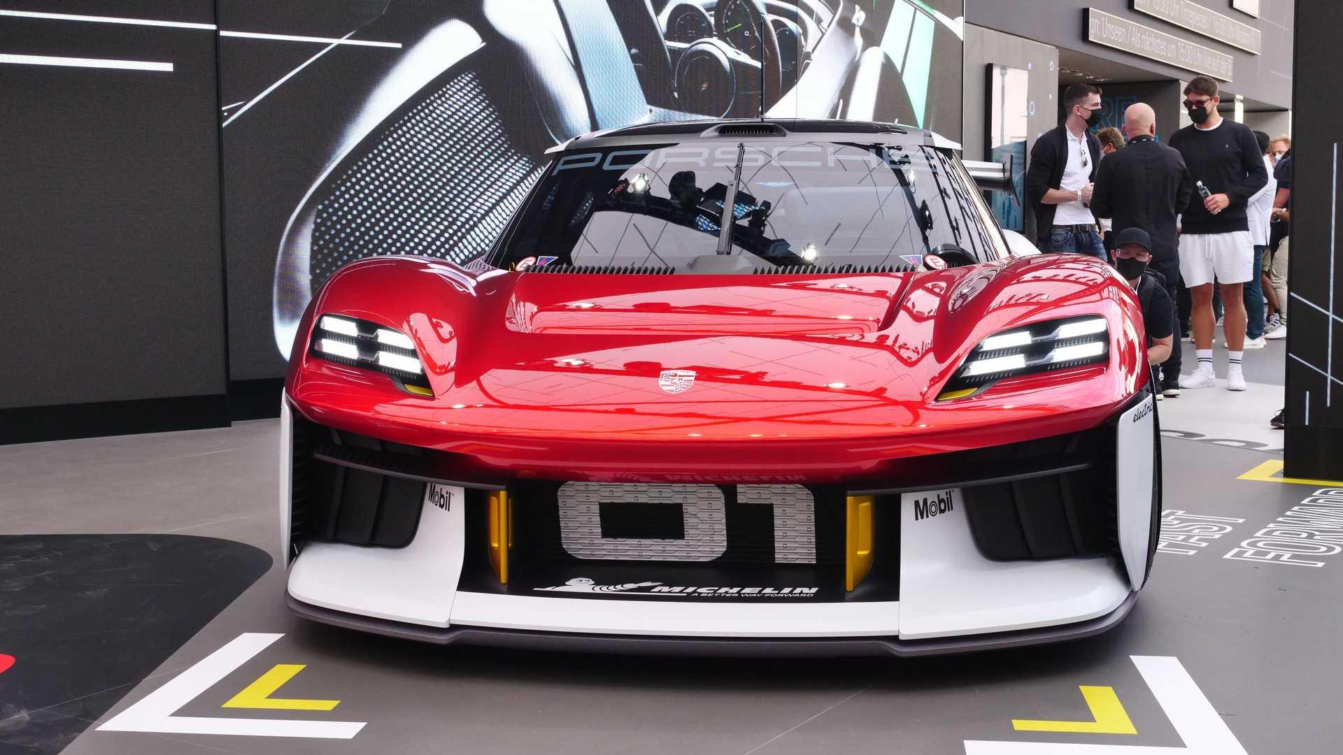 Porsche 718 Cayman, Boxster станут полностью электрическими в 2025 году