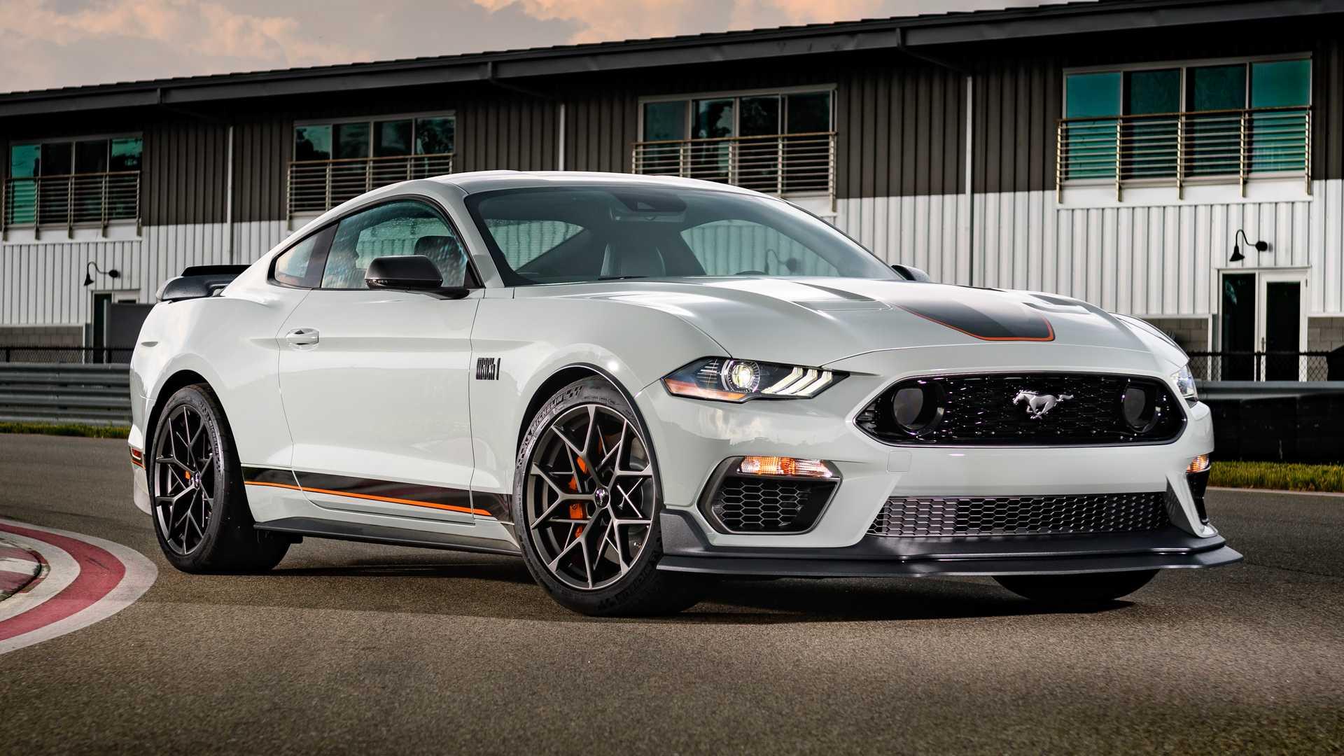 2022 Ford Mustang с двигателем V8 потеряет 10 лошадиных сил
